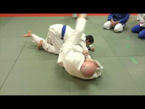 Steve Pullen MBE 6th Dan shows a nice armlock