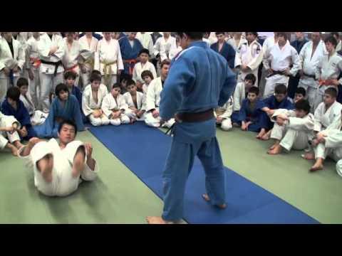 tomoe juji by Komuro Koji