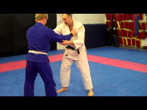 Wayne Lakin British Judo Coach Shows a Fast Judo Foot sweep for BJJ
